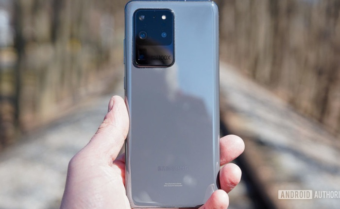 """Chật túi, khó cầm và khó mang đi: Smartphone hiện đại là minh chứng cho thấy không phải """"càng to càng tốt"""""""