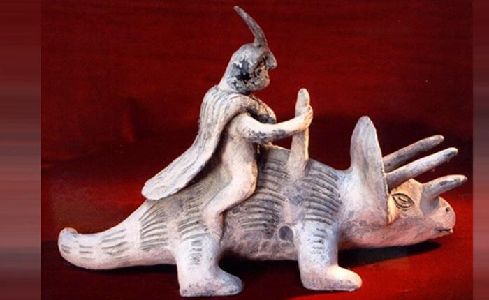 Loạt tượng đá bí ẩn khiến các nhà khoa học đặt ra giả thuyết: Phải chăng con người đã sống cùng thời với khủng long?