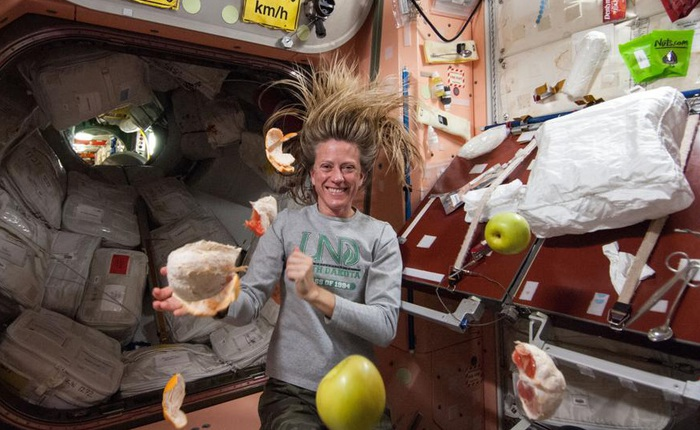 Câu hỏi thú vị mùa dịch Covid-19: Các phi hành gia giữ trạm vũ trụ sạch sẽ như thế nào?