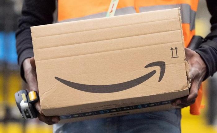 """Đến cả một đế chế bán hàng trực tuyến như Amazon cũng phải """"đau đầu"""" với Covid-19 vì khan hàng và giao hàng trễ"""