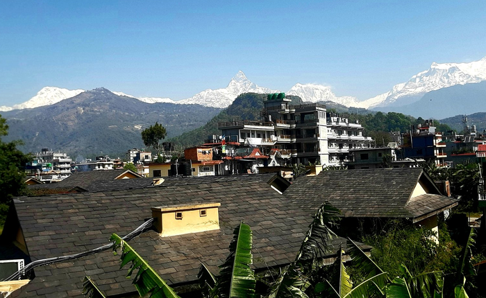 Cách ly dịch Covid-19 khiến không khí trong lành hơn, người dân Ấn Độ tận mắt thấy lại được dãy Himalayas sau 30 năm