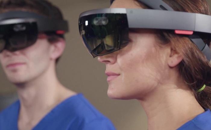 Cựu giám đốc Apple đầu quân cho dự án HoloLens của Microsoft