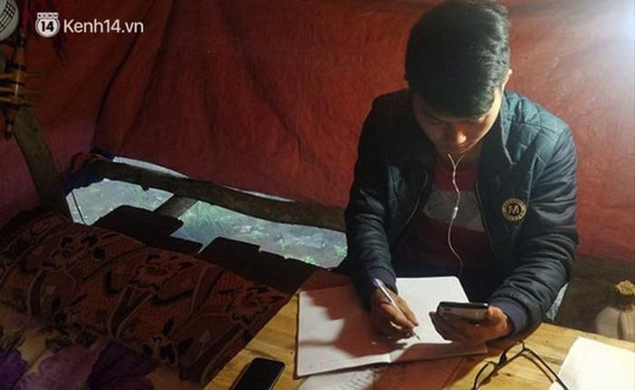 Bộ trưởng Giáo dục tuyên dương nam sinh người Mông dựng lán giữa núi bắt internet học online