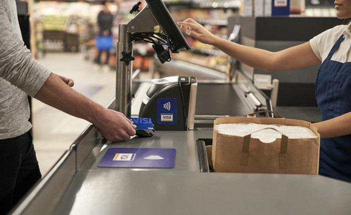 Người Việt đang chuộng thanh toán không tiền mặt: Số người thanh toán không tiếp xúc bằng điện thoại tăng 42%, tổng giao dịch thẻ tín dụng, visa tăng 39%