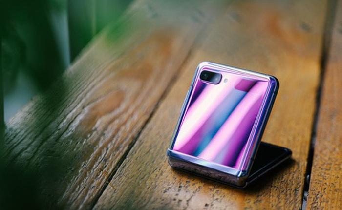 Chuyện nàng Low-tech dùng đồ Hi-tech: Khi điện thoại biến thành trang sức, sang chảnh vô cùng
