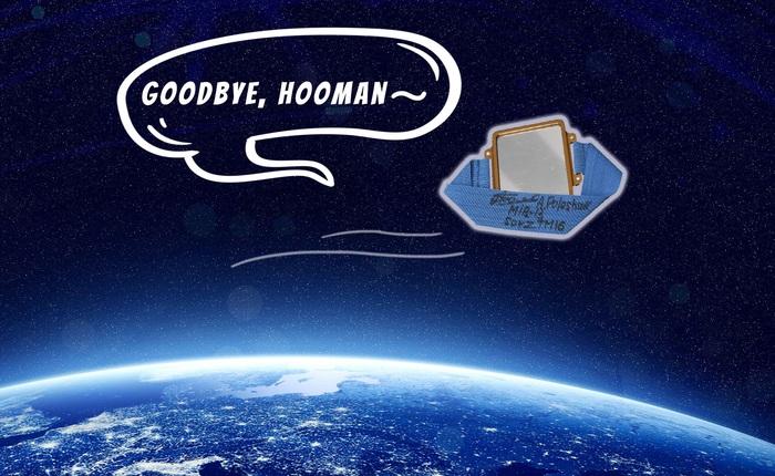 """Phi hành gia của NASA vừa bước chân ra khỏi trạm vũ trụ ISS đã gặp """"sự cố"""", làm mất luôn chiếc gương đeo tay của mình"""