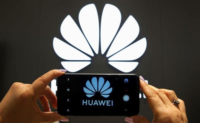 Hé lộ cách thức Huawei giành ngôi đầu tại Trung Quốc: chấp nhận đổi máy từ hãng khác, phát không cả máy lọc nước cho khách hàng