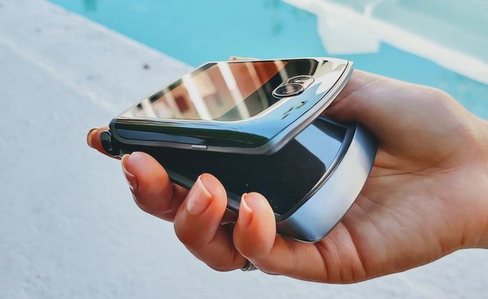 Motorola Razr 5G ra mắt: Snapdragon 765G, camera 48MP, giá 32.4 triệu đồng