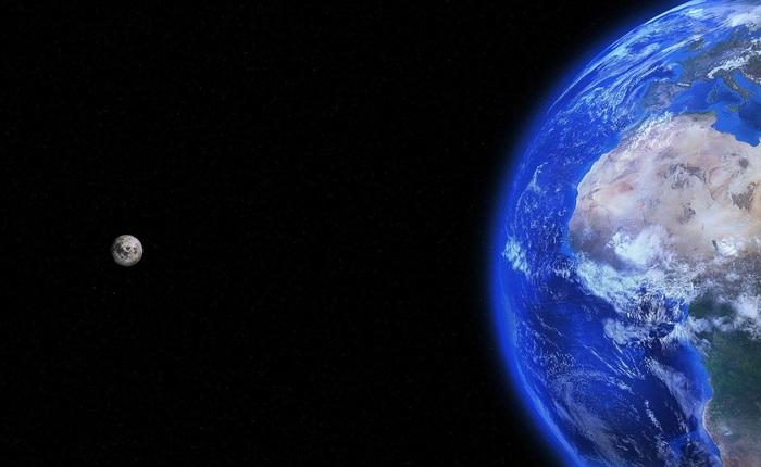 """Phát hiện mới: Không có cả nước dạng lỏng và oxy, Mặt Trăng vẫn đang """"gỉ"""" do tác động của Trái Đất"""