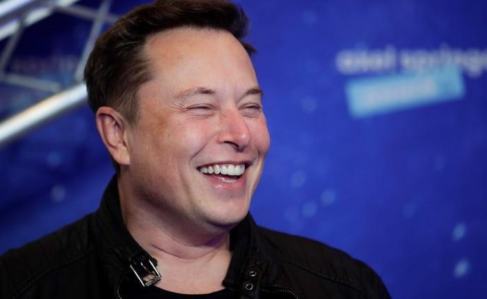 """Elon Musk trả lời ngắn gọn khi hay tin """"trở thành người giàu nhất thế giới"""""""