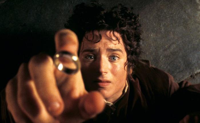 """Chàng diễn viên thủ vai """"Frodo"""" cho rằng không nên gọi series sắp ra mắt của Amazon là Lord of the Rings, dù bối cảnh vẫn ở vùng Trung Địa"""
