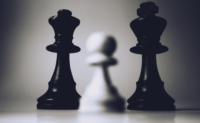'Đẳng cấp' AI của YouTube: Nhầm chuyện 'đen và trắng' trong môn cờ vua là phân biệt chủng tộc