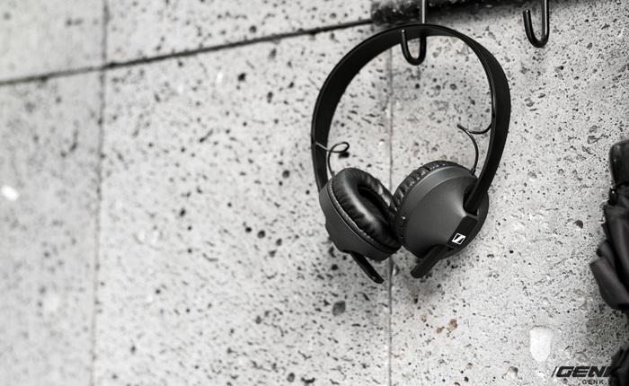 Mở hộp tai nghe không dây Sennheiser HD 250BT: Thiết kế nhẹ nhàng, chất âm phù hợp người chơi hệ K-Pop hoặc EDM, thời lượng sử dụng 25 giờ
