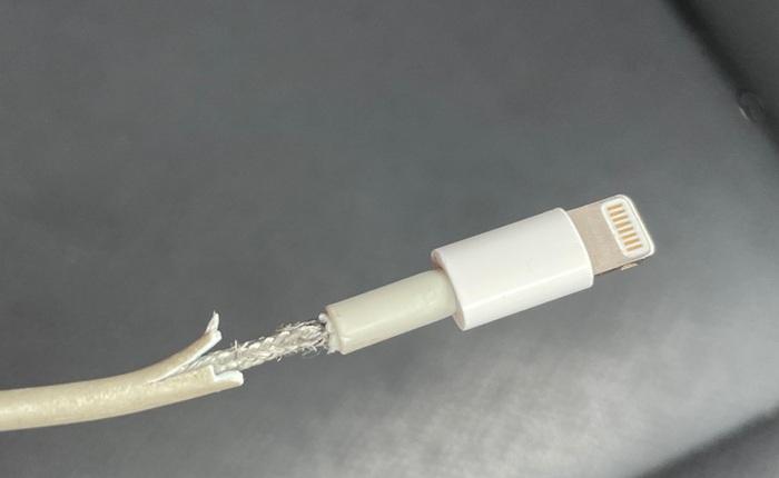 Apple có thể chuẩn bị đưa ra giải pháp giúp cáp sạc cáp cứng hơn, chắc chắn hơn