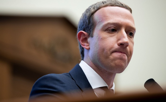 """Cựu nhân viên tiết lộ lý do Facebook """"sợ"""" Apple đến vậy"""