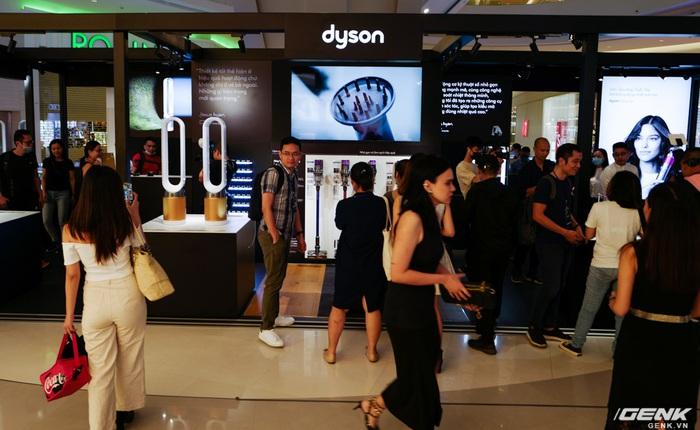 Dyson chính thức đưa sản phẩm về Việt Nam, người dùng có thể đến trải nghiệm trực tiếp tại Demo Zone ở Crescent Mall