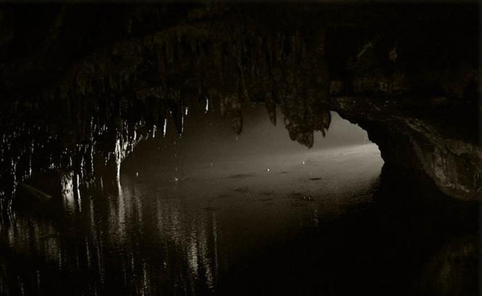 Kết thúc thí nghiệm tranh cãi: 15 người bị nhốt 40 ngày dưới hang động kín mít không ánh sáng vừa được giải thoát, nhưng cảm nhận của họ lại gây bất ngờ