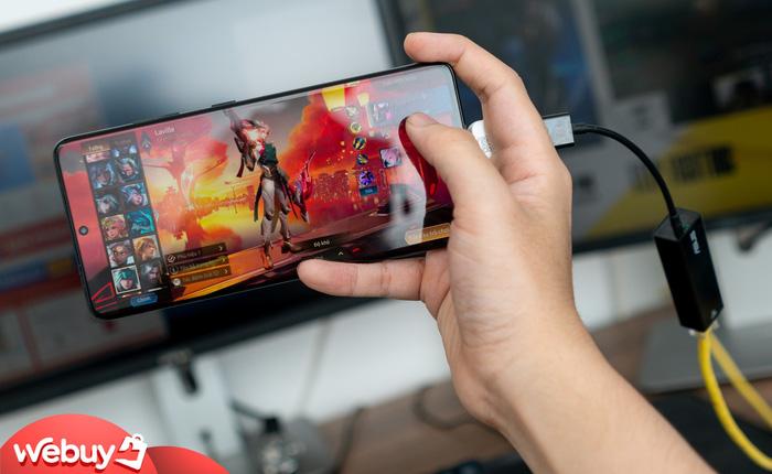 Chơi game bằng Wifi trên smartphone hay bị giật lag? Thử ngay nối dây mạng như các tuyển thủ chuyên nghiệp