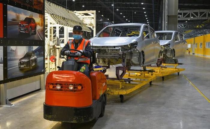 """Reuters: VinFast có """"vũ khí"""" để đấu với Tesla tại Mỹ"""