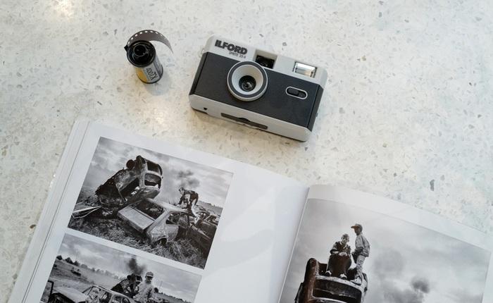 Trải nghiệm nhanh máy ảnh nhựa ILFORD Sprite 35-II: Tìm về thú chơi phim lomo với 990.000 đồng