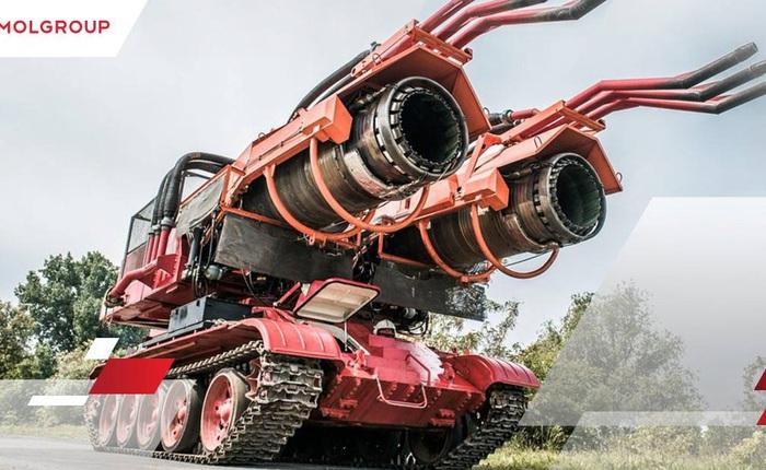 """Xe tăng T-34 """"dung hợp"""" tiêm kích MiG-21 tạo ra Big Wind - xe cứu hoả mạnh nhất thế giới"""
