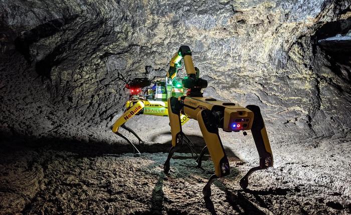 NASA huấn luyện chó robot để hỗ trợ con người khám phá hang động trên sao Hỏa