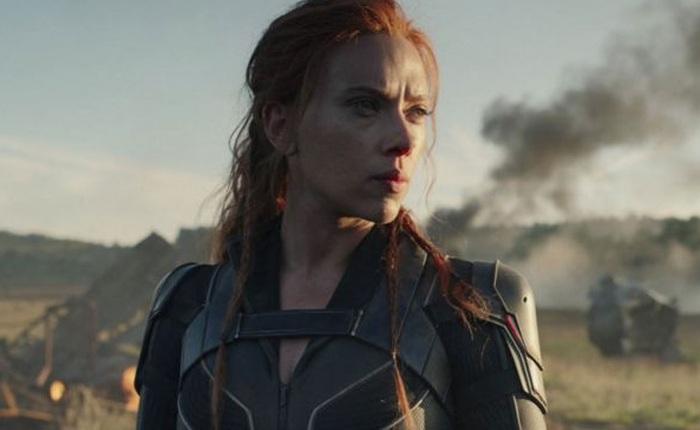 """Cô gái bị người yêu """"đá"""" chỉ vì chê Black Widow"""