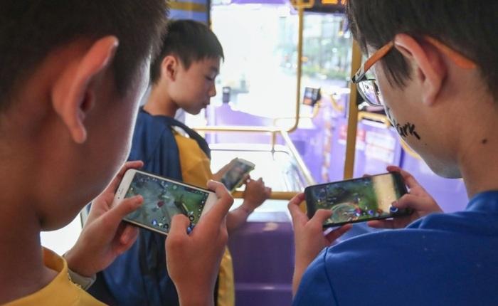 Bị giới hạn giờ chơi game, trẻ em Trung Quốc lên mạng thuê tài khoản người lớn để đối phó