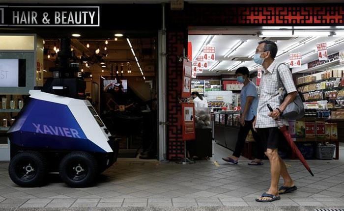Singapore sử dụng robot để giám sát các hành vi không đúng mực tại nơi công cộng