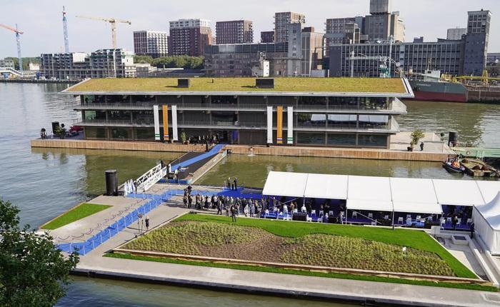 Biến đổi khí hậu khiến mực nước dâng cao, Hà Lan xây dựng luôn văn phòng nổi lớn nhất thế giới để đối phó