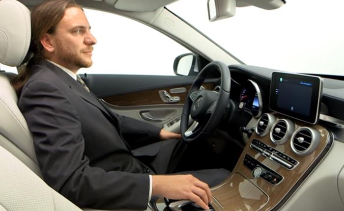 Video thực tế tính năng CarPlay của Apple trên dòng xe Mercedes-Benz