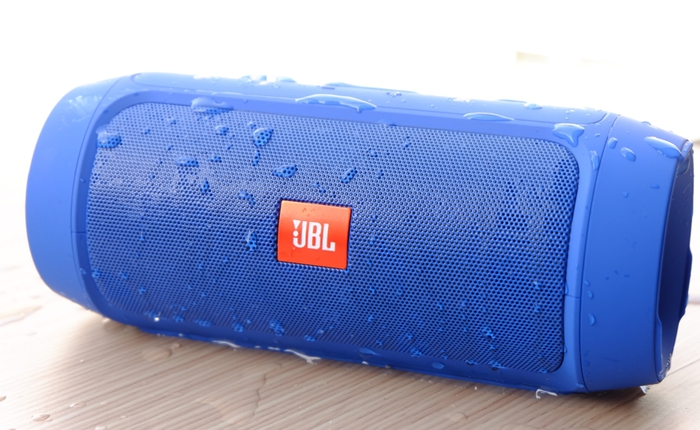 Trên tay loa di động JBL Charge 2 Plus: dân chơi không sợ mưa rơi!