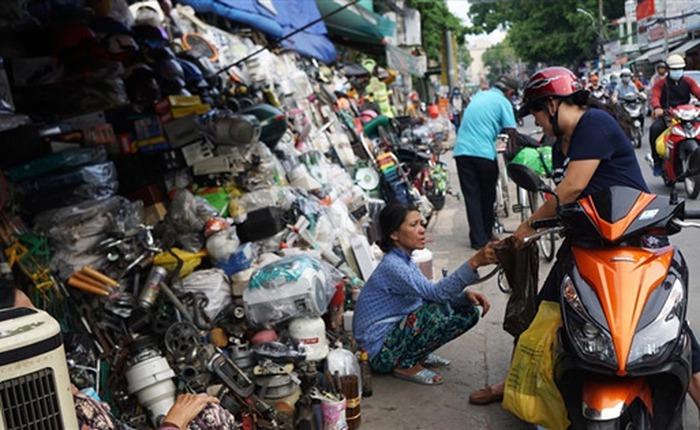 Chợ công nghệ lề đường lớn nhất Sài Gòn