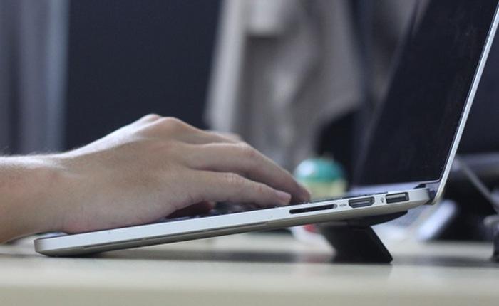 Dùng thử đế tản nhiệt KickFlip siêu mỏng dành cho laptop: gọn, nhẹ, dễ dùng, đỡ mỏi tay hơn