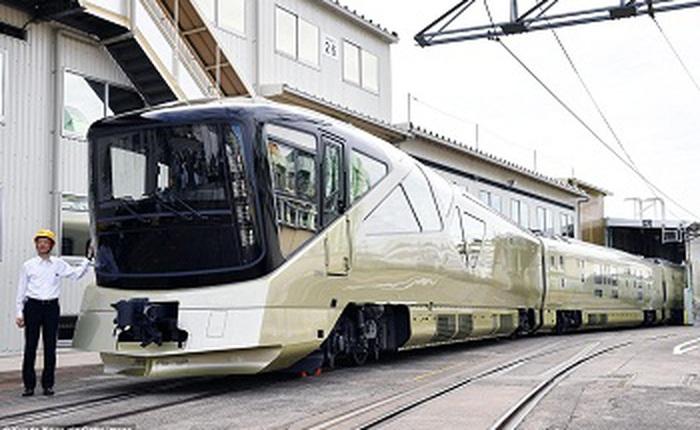 Bên trong tàu du lịch siêu sang ở Nhật Bản, được thiết kế bởi chuyên gia của Ferrari