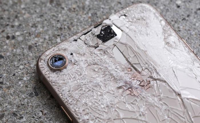 Nếu đánh rơi iPhone 8 khi đang dùng thì điều gì sẽ xảy ra? Thử nghiệm này sẽ cho bạn câu trả lời
