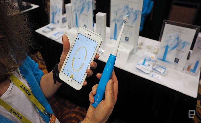[CES 2017]: Kolibree Ara AI - bàn chải thông minh giúp quản lý việc đánh răng hàng ngày