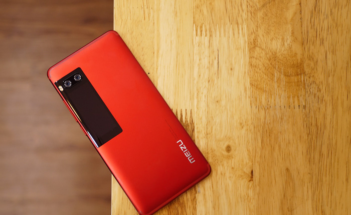 Trên tay Meizu Pro 7 tại VN: Màn hình phụ độc đáo, camera kép hỗ trợ xóa phông, rất tiếc lại dùng chip MediaTek