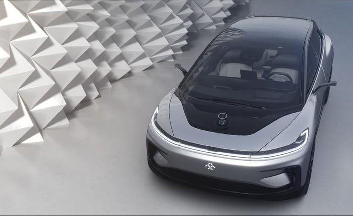 [Video] Sếp Faraday Future ngượng chín mặt khi xe tự lái chạy điện đầu tiên của hãng tự đỗ thất bại trên sân khấu