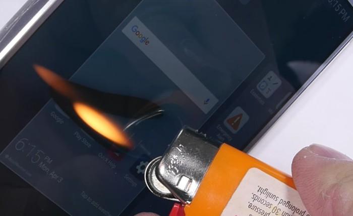 Tra tấn LG G6 bằng thử nghiệm cào xước, đốt màn hình, bẻ cong