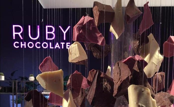Loại chocolate mới đầu tiên trong suốt 80 năm qua có màu hồng ngọc tự nhiên