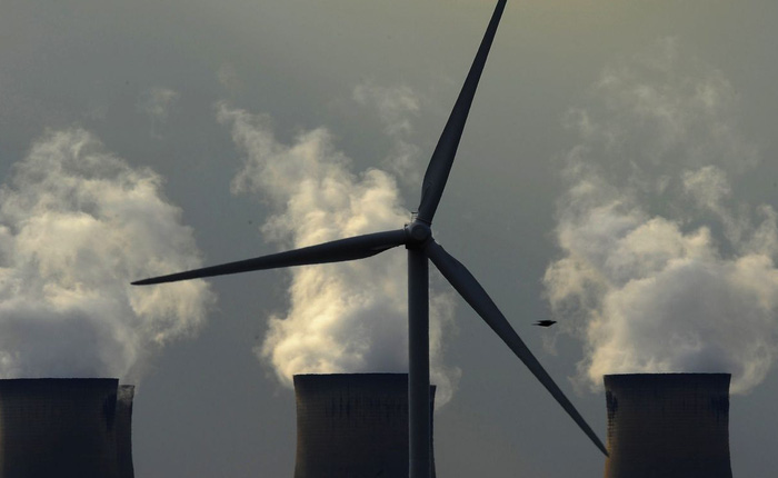Một công ty năng lượng cực lớn bất ngờ bán sạch mảng kinh doanh dầu mỏ và khí đốt, đổi hoàn toàn sang năng lượng sạch, thay cả tên