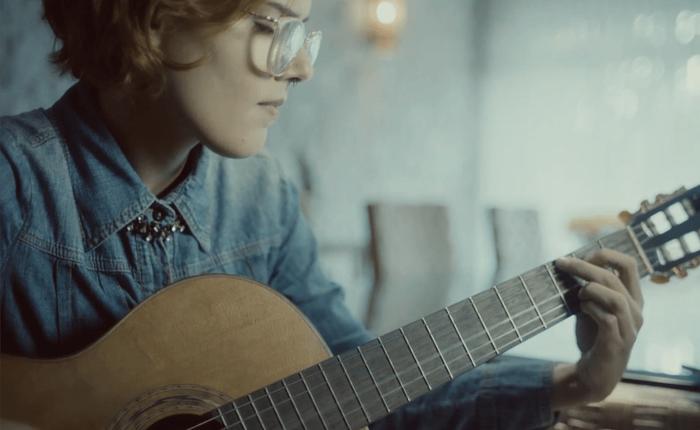Ứng dụng của Samsung Brazil giúp người khiếm thị học đàn guitar như thế nào?