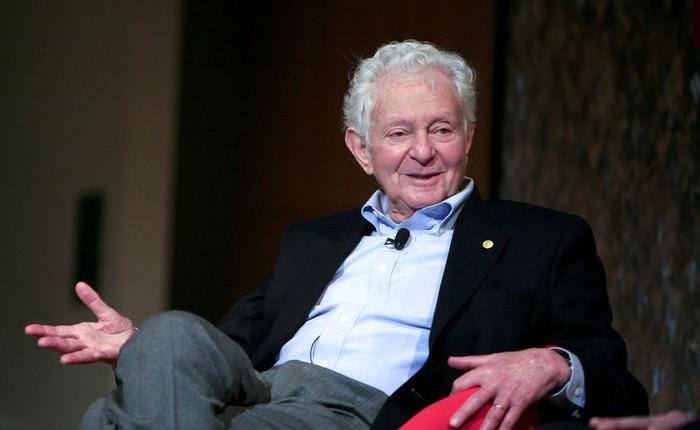 Nhà vật lý này đã bán cả giải Nobel Vật lý của mình lấy 765.000 USD thanh toán các hóa đơn y tế