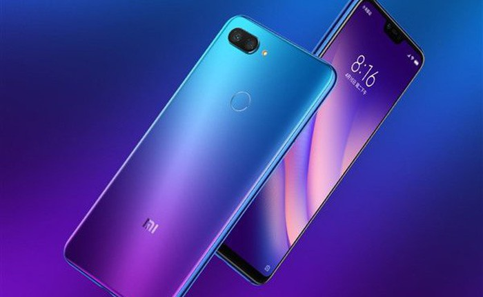 Thật bất ngờ khi mặt lưng màu gradient của Xiaomi Mi 8 Lite lại là một tấm kính trong suốt
