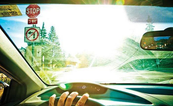 Apple đang nghiên cứu hệ thống chống lóa trên kính chắn gió, giúp tài xế không còn khó chịu mỗi khi lái xe dưới trời nắng