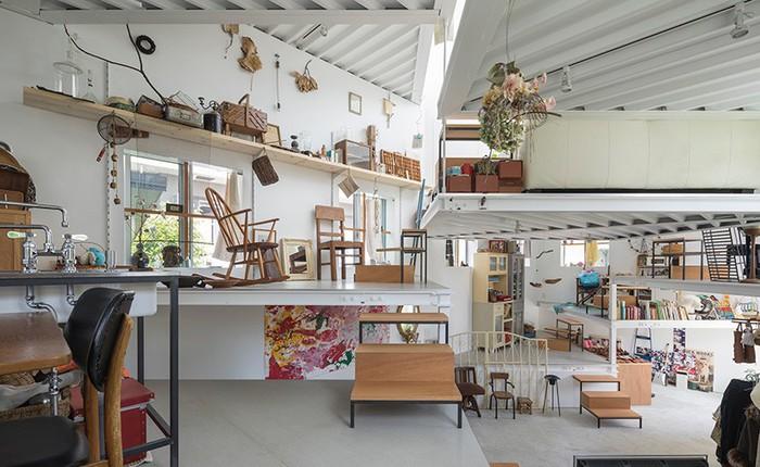 """Nhờ kiểu xếp tầng cực linh hoạt, kiến trúc sư Nhật """"nhồi"""" được 7 tầng sử dụng vào độ cao chỉ bằng 2 tầng nhà"""