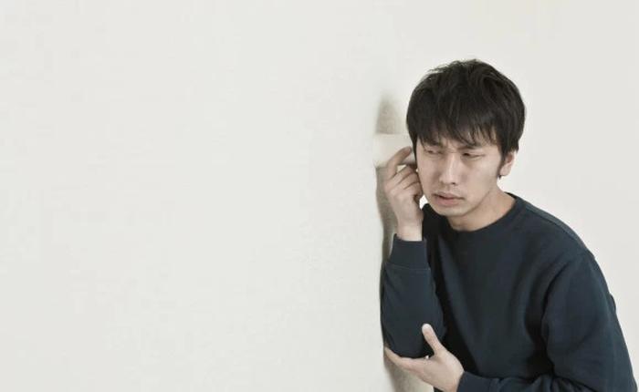 Nhật Bản: Thanh niên lạ mặt trốn trong nhà cụ già neo đơn cả nửa năm mới bị phát hiện