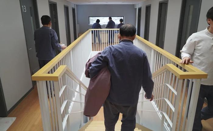 Cách Hàn Quốc chống stress cho người nghiện việc: Vào 'nhà tù' resort, cấm dùng điện thoại, email và bị giam trong phòng suốt 20 tiếng
