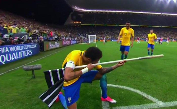 [World Cup 2018] Đánh bại Mexico, Neymar và đồng đội rủ nhau bắn CS:GO để ăn mừng chiến thắng